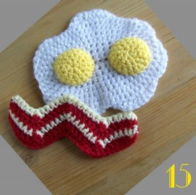 Amigurumi Fried Egg Pattern : Tutorial: The dinette hook # 15 fried eggs and bacon ...