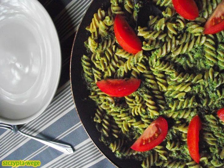 Pesto z liści – nie marnuję! | szczypta-wege przepisy wegańskie i wegetariańskie - zdrowe pomysły na obiad i inne okazje