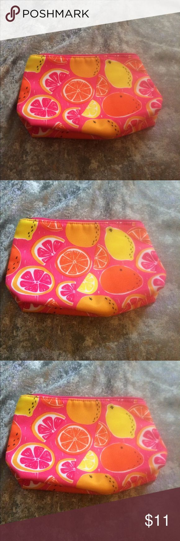 3/12 SALE💥🛍💸Clinique Citrus Cosmetic Bag NWT (With images