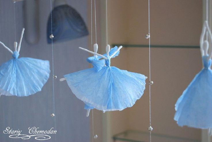 Des ballerines à fabriquer avec des serviettes de papier. C'est facile et joli en mobile!