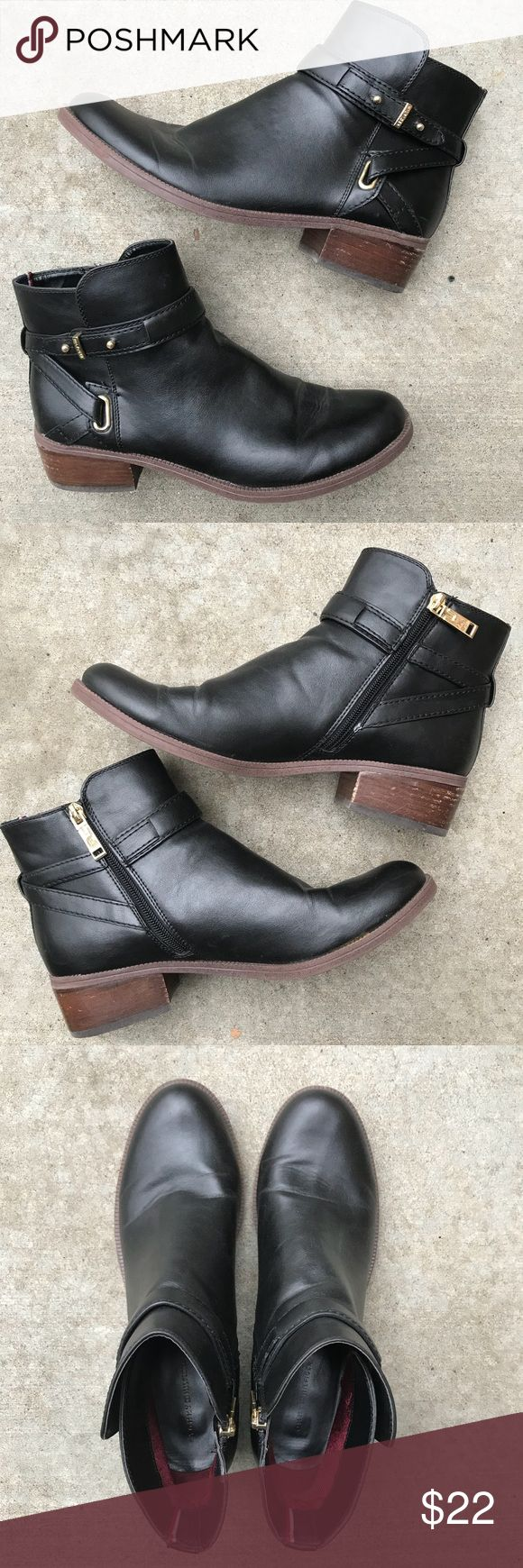 Tommy Hilfiger black ankle boots 9.5 Tommy Hilfiger black ankle boots • size 9.5 • pre-loved but in great condition. They run true to size. Classy and comfortable. Tommy Hilfiger Shoes Ankle Boots & Booties