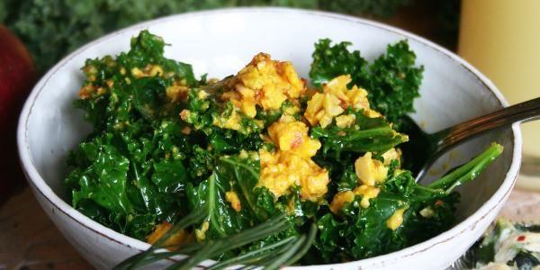 Mandel- och saffransstuvad grönkål