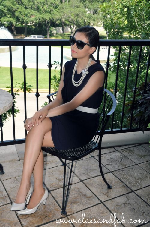 Photography: Julie {From Prosecco to Plaid}   Location: ZaZa Hotel Houston  Dress: Iris & Ink  Necklace: Forever21  Sunglasses: Chloe