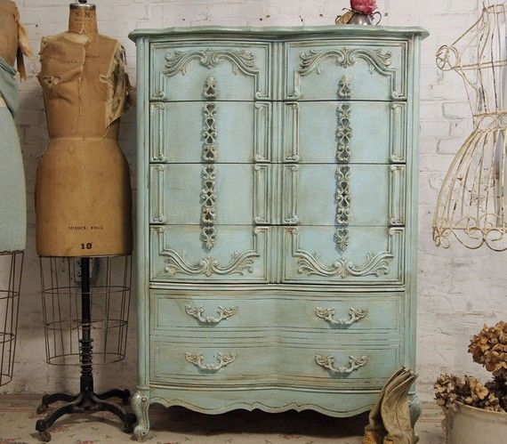 Oh MY lovelinessSewing Room, Antiques Furniture, Vintage Dressers, Painting Furniture, Shabby Chic Dressers, The Dresses, Makeup Room, Cottages Furniture, Chest Of Drawers