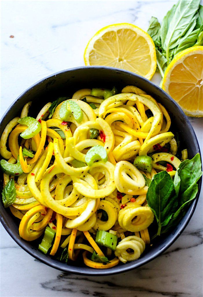 And the spiralized veggie noodle trend continues — this time with yellow squash! Thanks for the yummy gluten-free recipe, @CotterCrunch!