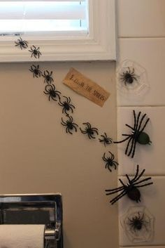Follow the spiders -  Harry Potter party decoration ideas