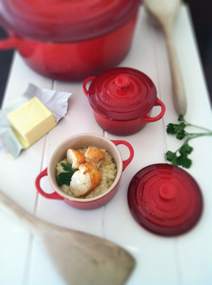 Love her Le Creuset pans and if I ever purchase lobster, I'd like to make this // http://www.bellalimento.com/2012/02/08/how-to-make-lobster-risotto/