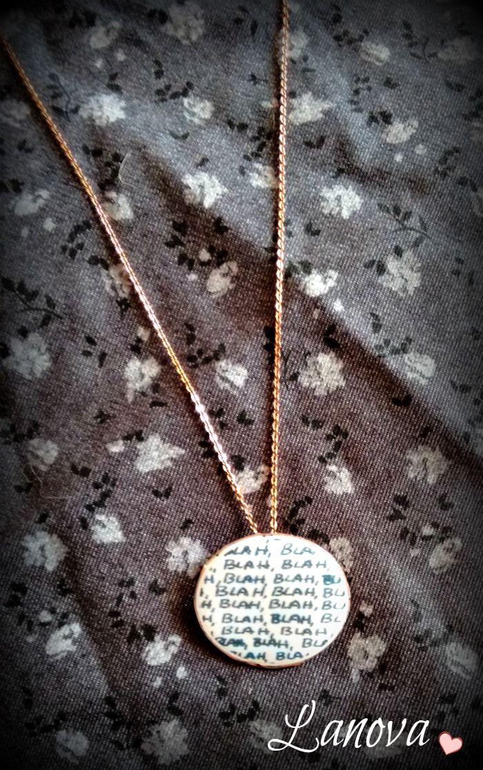 Collar Blah Blah  Coleccion ilústrate de Lanova Joyas y Accesorios https://www.facebook.com/lilasweetaccesorios