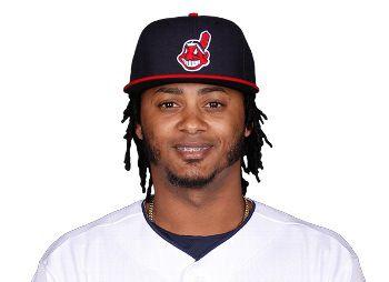 El utility Michael Martínez firma otra vez con Indios de Cleveland