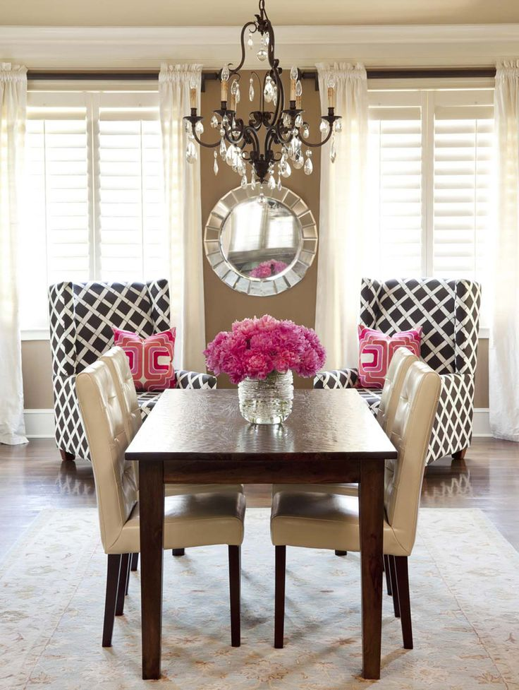 .: Wall Colors, Decor, Dining Rooms, Idea, Colors Schemes, Dinning Rooms, Accent Chairs, Pink Accent, Dining Tables