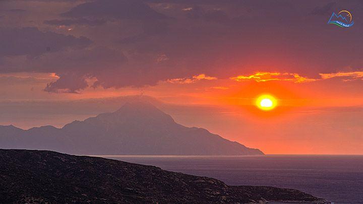 Sarti, vacanta ta relaxanta si ieftina in Halkidiki Cei care sunt in cautarea unei destinatii de vacanta pe malurile Marii Egee, ce imbina ...