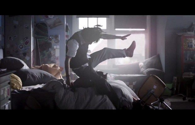 FIFA 15 TV Advert Puts You on the Pitch // #FIFA15 #EA