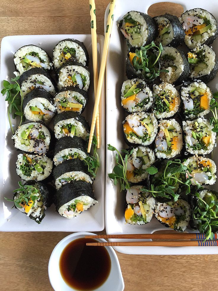 Bonjour! This is a recipe I've been meaning to share for quite awhile. It's definitely a go-to if I'm feeling bored, or if I'm craving sushi but not the carbs!