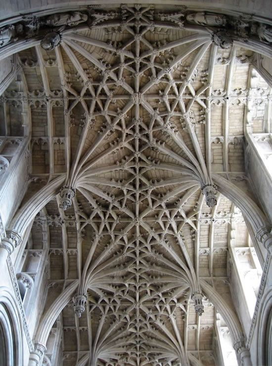 Christ Church Cathedral, Oxford chancel vault designed by William Orchard c. 1500, its intricate stone latticework symbolises heaven, with large 8-point stars and lantern-shaped pendants easily visible yet unimaginably difficult to carve. text and photo from inel blog