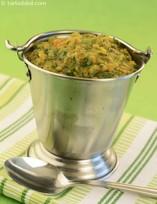 Hariyali Dal (  Tava Cooking)