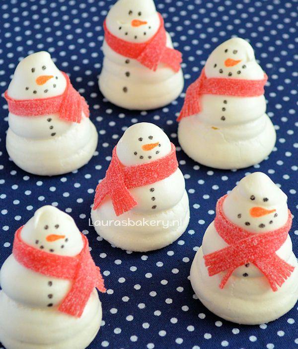 Snowman meringues