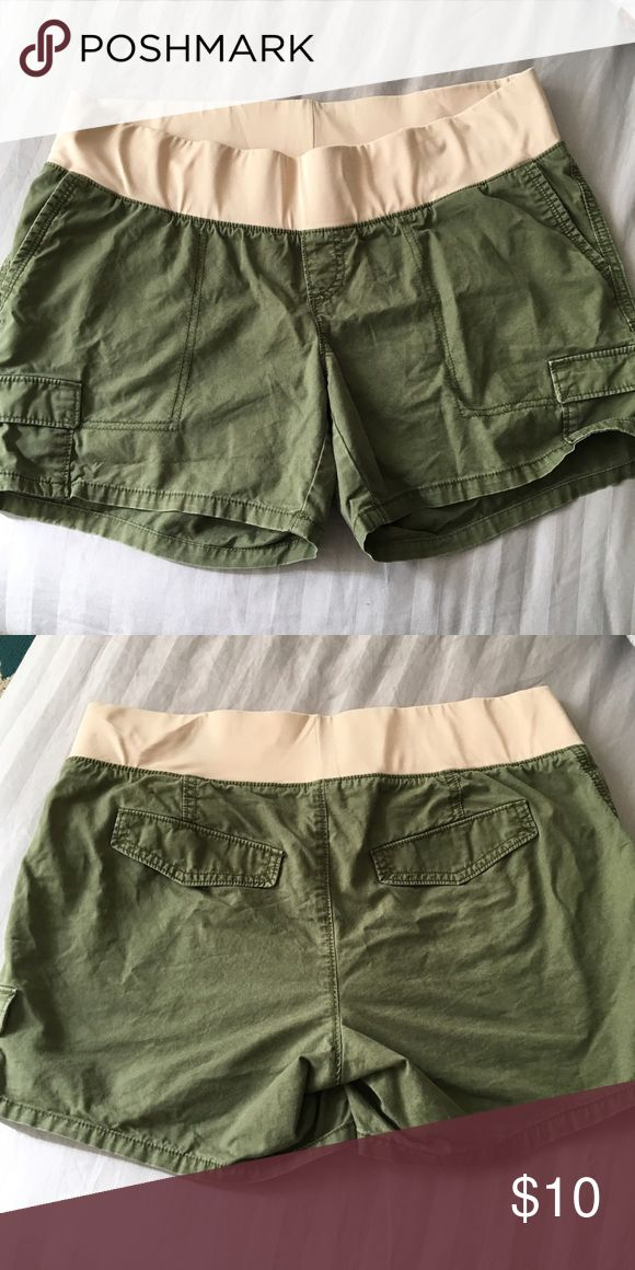 Old Navy maternity shorts - 12 Reposh since this did not fit me. Old Navy Shorts