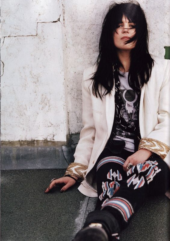 Another photo of Alison Mosshart...Vogue UK January 2012.