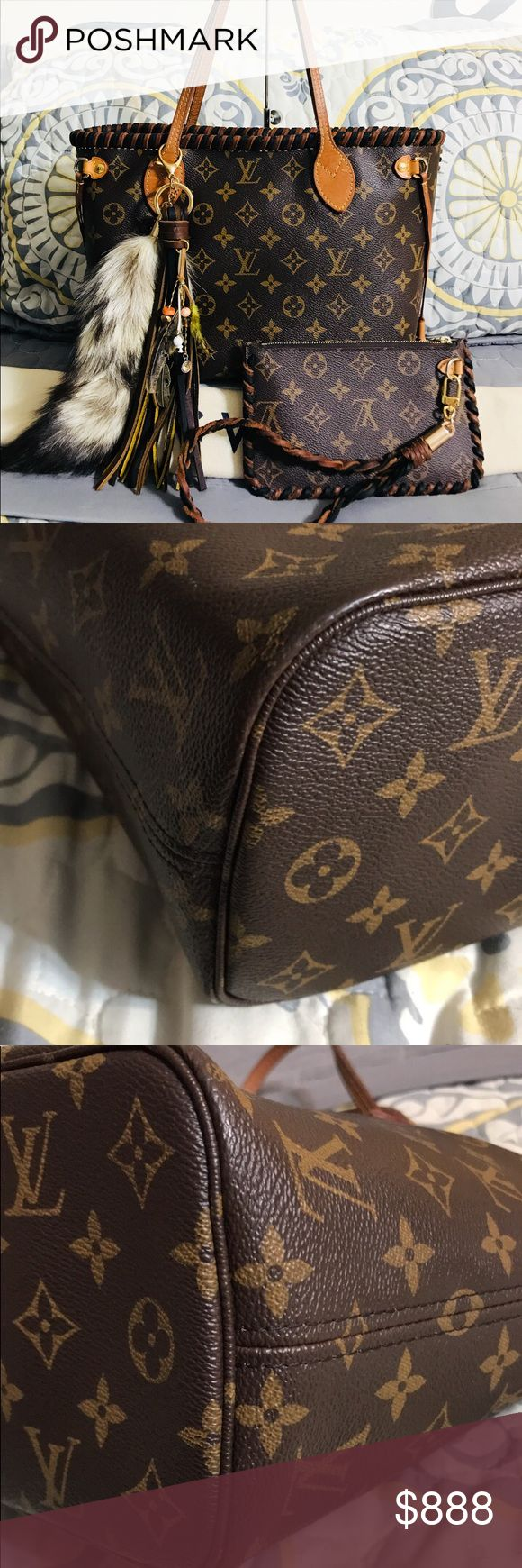Louis Vuitton Neverfull PM tote & Pochette wrist 💞Louis Vuitton Neverfull PM & Pochette💞 Authentic!! REHABBED BY ME! No cracks  Inside has some stains Side straps on both sides a separating(still work fine)  Pochette has a lipgloss stain inside(pic)  Bag, Pochette and custom tassel included. Louis Vuitton Bags Totes