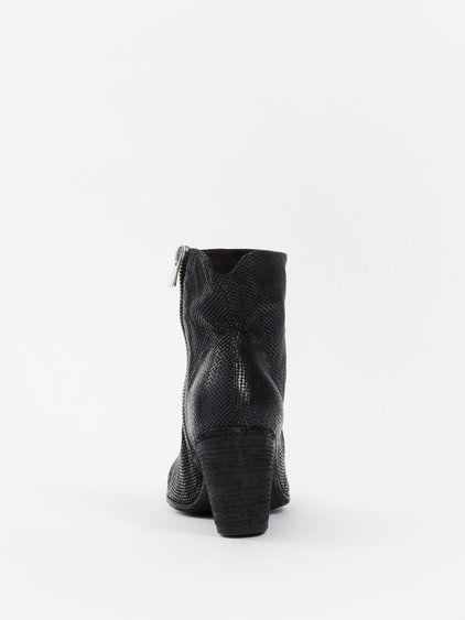 OFFICINE CREATIVE OFFICINE CREATIVE WOMEN'S BLACK JACQUELINE SKIPPER BOOTS. #officinecreative #shoes #