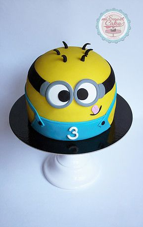 misweetcake ♥ Cake Design: Minions Cake / Bolo Minions https://www.facebook.com/misweetcakedesign/ https://www.instagram.com/misweetcake/