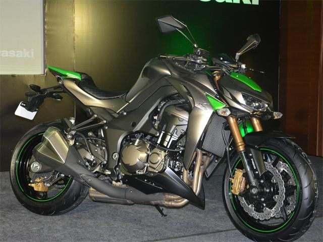 Slideshow : 2014 Kawasaki Z1000 - 2014 Kawasaki Z1000 launched at Rs 12.5 lakh | The Economic Times
