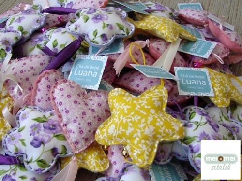 Craft: Chaveiros decorados, nos formatos de coração, estrela e flor, para Chá de bebê. Consulte-nos!