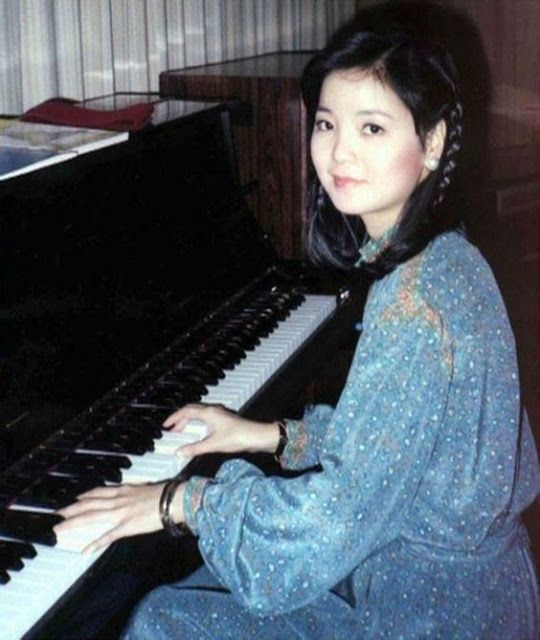 Teresa Teng young   vintage everyday: Teresa Teng, the Iconic Asian Singer – Stunning ...