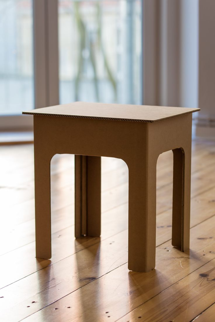 Großartig Nachttisch Aus Wellpappe, Cardboard Table Http://de.roominabox.de/