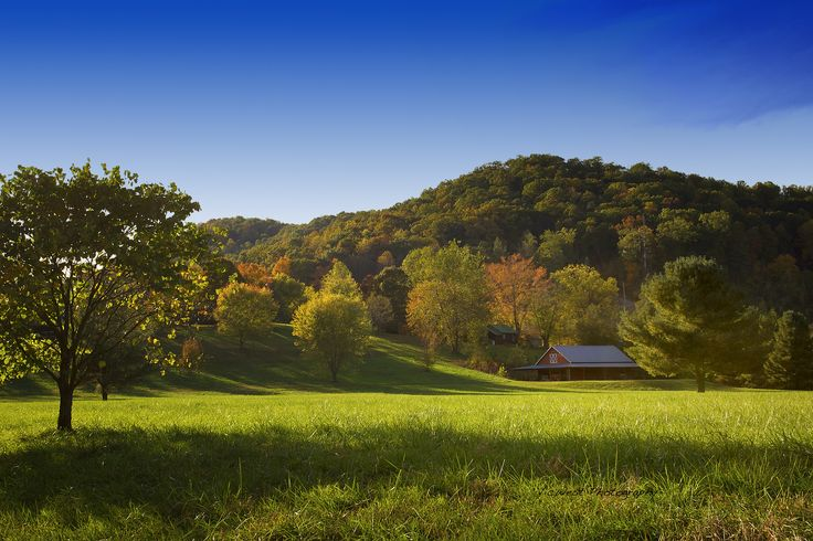Nestled in the foothills of the Blue Ridge Mountains, Mountain Springs Cabins lies just 10 minutes west of Asheville #vacation #camping ---> http://www.rvcoutdoors.com/mountain-springs/where/