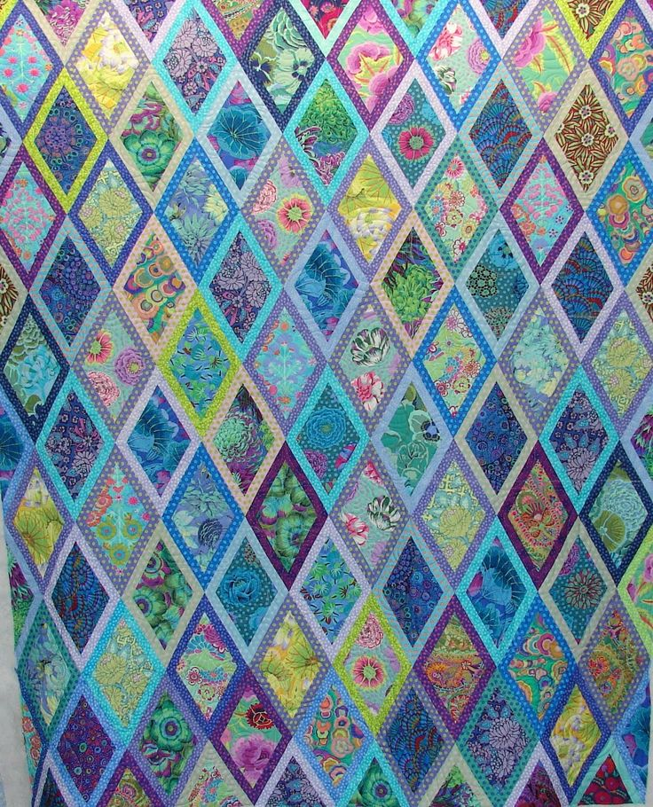Quilt Vine: Yes, I Still Quilt.  Kaffe Fassett Diamonds quilt by Diann