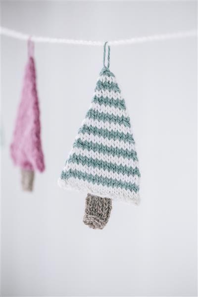 Tema 40: 8 Juletre girlander #jul #strikk #christmas #knit