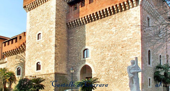 Castello di Carrara. Apertura al pubblico: si con barriere architettoniche presenti Open- no handicap accessible-Ticket  Da visitare: le cave di marmo, le botteghe d'arte,il Duomo