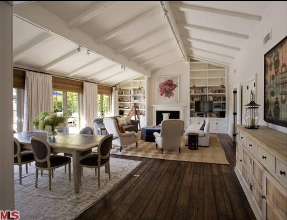 Jennifer Aniston S New Al House With Justin Theroux 20 Pics White Rooms Pinterest Home And Vaulted Living