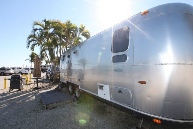 These fully equipped Airstreams are the ideal dog-friendly accommodation in Summerland Key, an island in the lower Florida Keys, 20 miles east of the vibrant Key West. In this area of Florida, glampers will be in the southernmost point in the U.S., which offers great shopping, fine dining, and sizzling nightlife. If glampers are looking for a truly one-of-a-kind experience, try the nostalgia of one of these pet-friendly Airstreams, and relive America's classic RV days in modern style. No ...