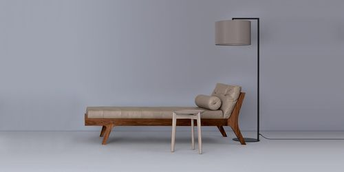 Contemporary daybed / solid wood / leather / living room MELLOW by Formstelle ZEITRAUM