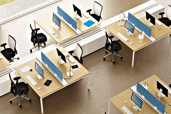 Mesas de oficina para grupos de trabajo de la colección X4 con box multifunción.