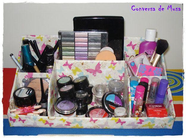 Você pode fazer seu próprio organizador a partir de uma caixa de papelão!   26 ideias geniais para organizar seus itens de maquiagem