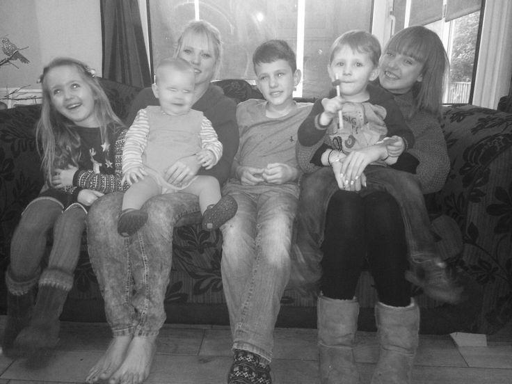 Kiddies, cousins