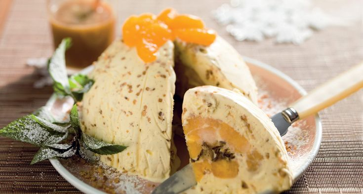 Boule glacée aux mandarines, sauce au caramel