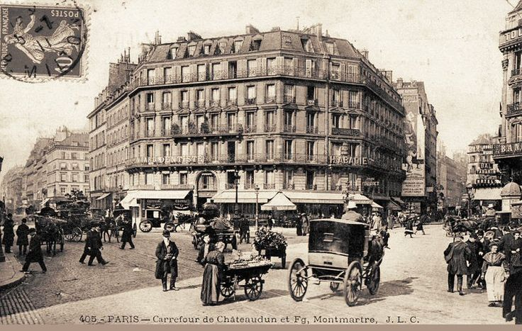 Le carrefour de la rue du Faubourg-Montmartre et de la rue de Châteaudun, vers 1900.