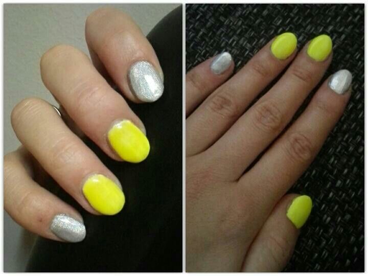 Yellow silver nails holoeffect