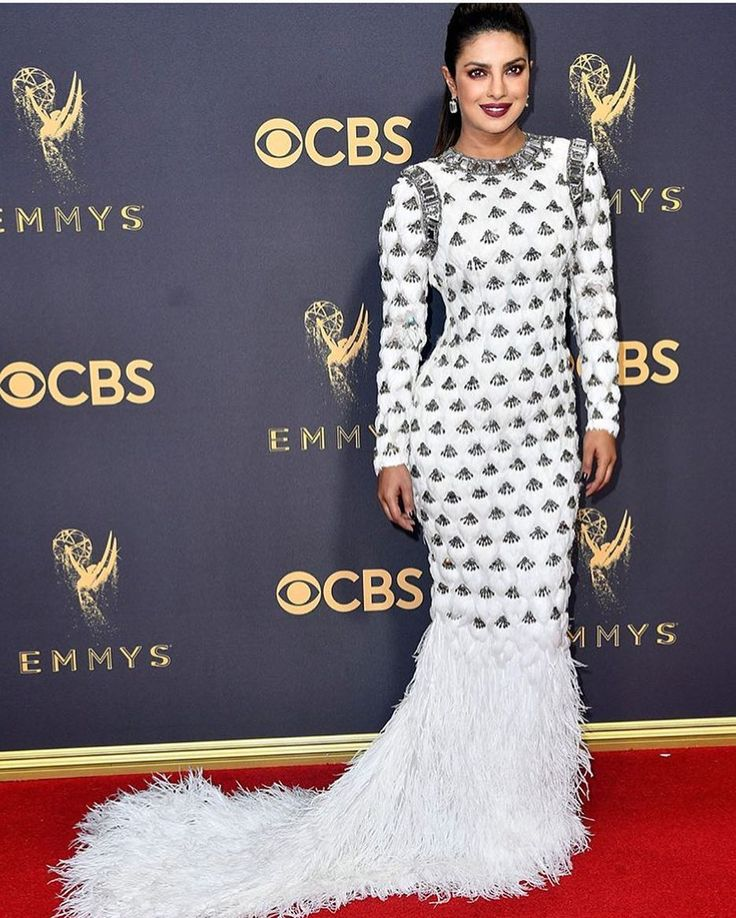 "637 Likes, 3 Comments - The Lady Loves Couture (@theladylovescouture) on Instagram: ""Balmain Bombshell @priyankachopra x @balmain #priyankachopra #emmys #glamslam #quantico…"""