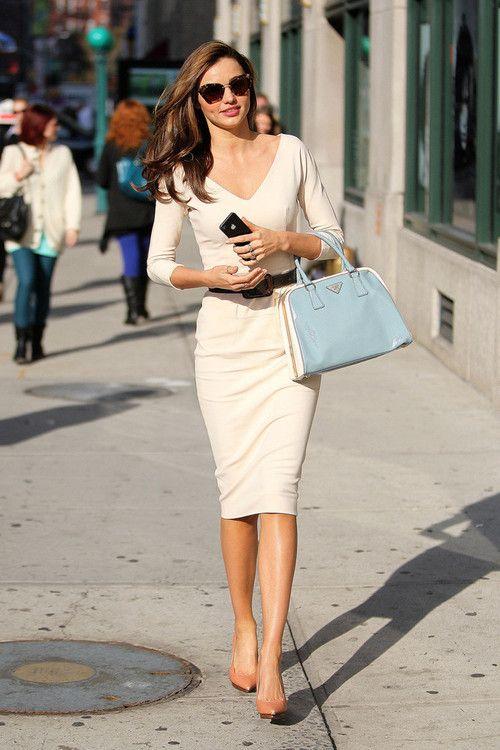 chic. (pictured: Miranda Kerr) #streetstyle #fashion #modeloffduty