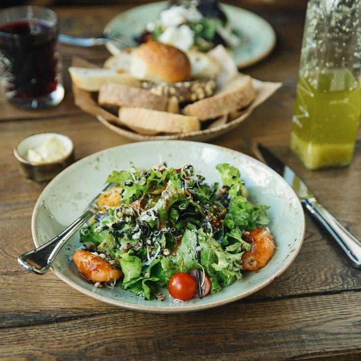 "Black ""Caesar"" (with chicken or shrimps) #meat #meatbybeat #meatrestaurant #steakhouse #steaks #azerbaijan #baku #restaurants #food #cuisine #beef #veal #salads #caesarsalad #chickensalad #shrimpssalad"