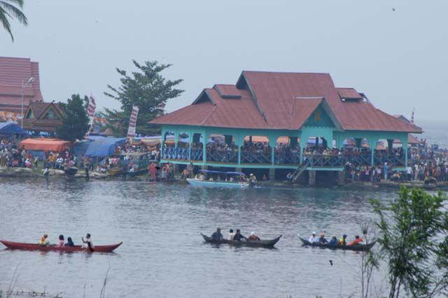 Jambi, Arena Wisata Sekitar Danau Kerinci: Wisata Alam Danau Kerinci