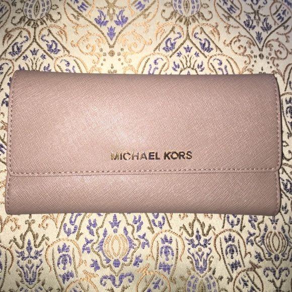 Michael Kors Jet Set Travel Checkbook Wallet