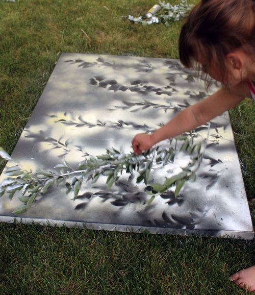 Check out this super simple tutorial to make gorgeous spray paint art! The kids loved doing this project and it came out beautiful.