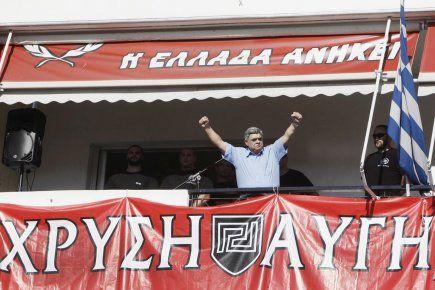 La police grecque a annoncé mercredi avoir interdit une distribution de nourriture gratuite réservée aux seuls Grecs, organisée par le parti néo-nazi Aube dorée dans le centre d'Athènes, tandis que la mairie d'Athènes a qualifié cette manifestation de «raciste».