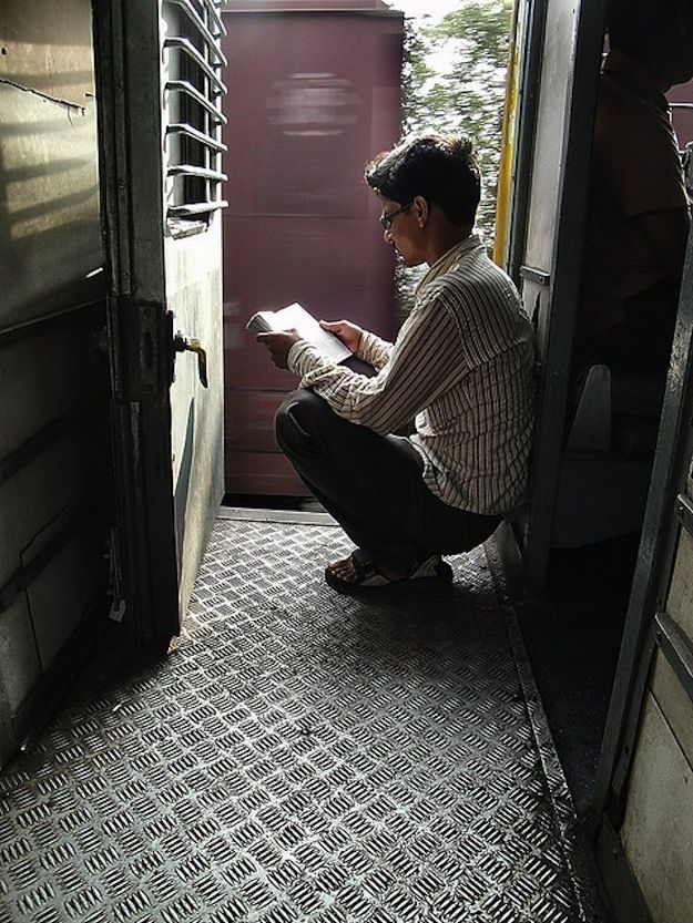 """""""Los libros son el avión, el tren y la carretera. Son el destino y el viaje."""" Ellos son el hogar. """"-Anna Quindlen, Cómo la Lectura Cambio Mi Vida"""
